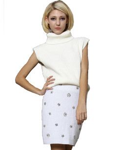 /white-roll-neck-sleeveless-dipped-hem-sweater-p-1303.html
